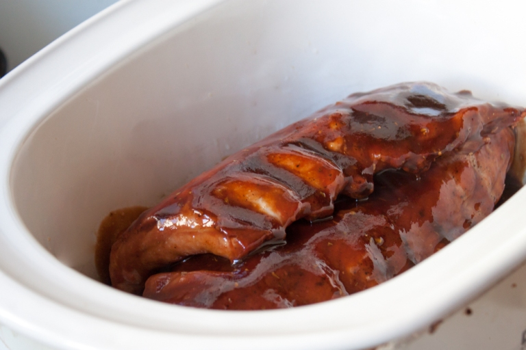 Slow-Cooker-Ribs-Pour